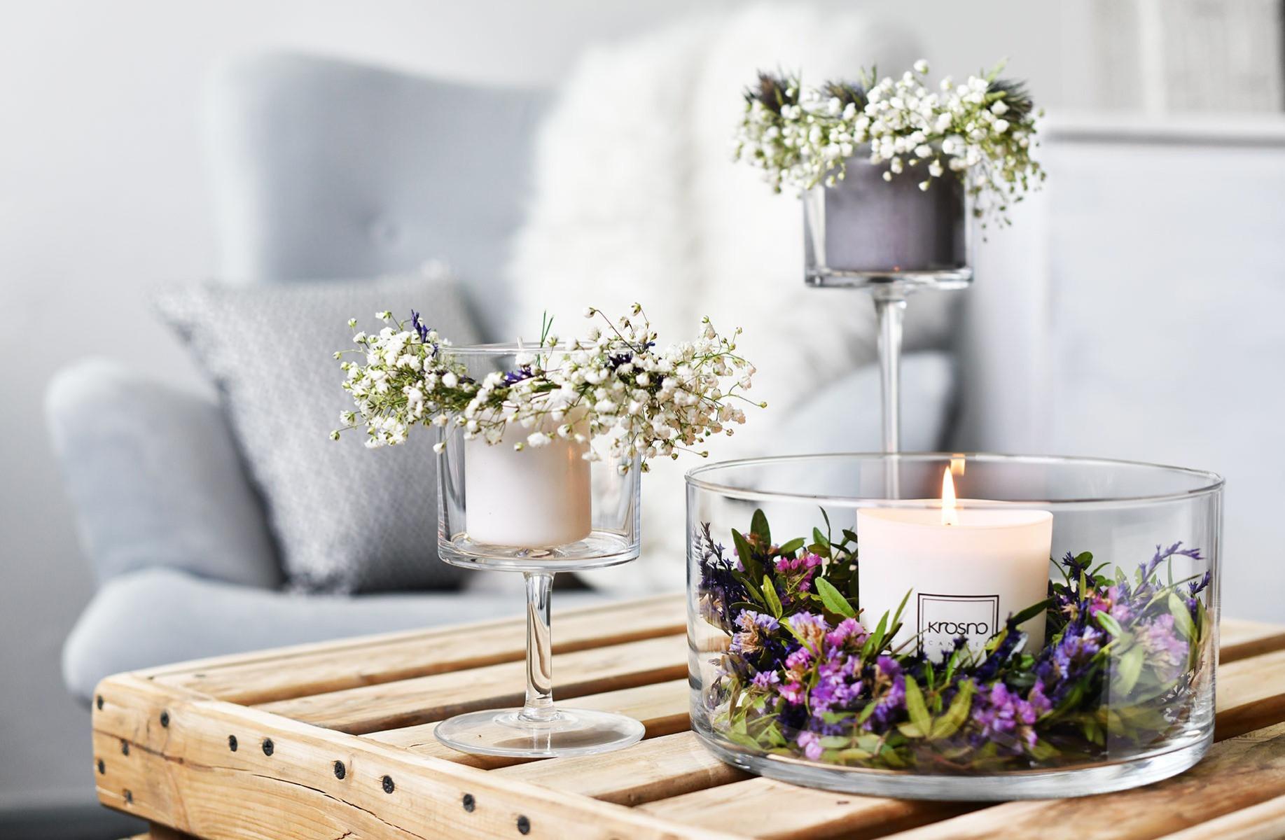 Świecznik na nodze Glamour KROSNO ozdobiony kwiatami