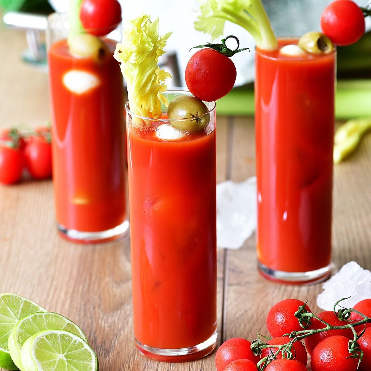 Oczyszczający, wytrawny koktajl pomidorowy