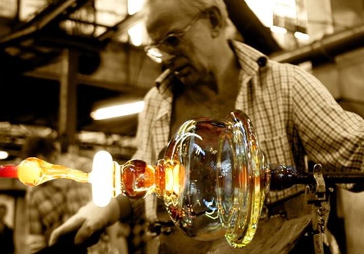 Doświadczaj życia piękniej - ręcznie formowane szkłoHandmade marki KROSNO